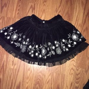 Old Navy 5T layered skirt